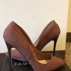 Shoes - Brown burgundy stiletto heels